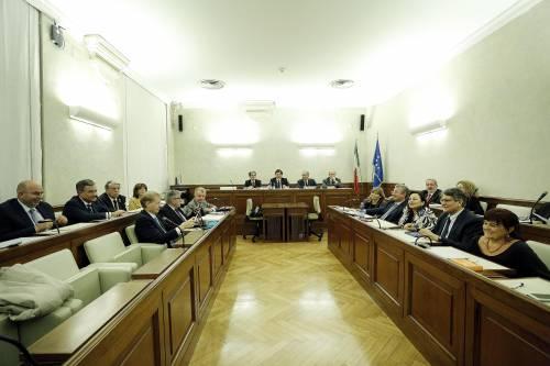 Decadenza Berlusconi, la Giunta approva la relazione Stefàno. Lo scontro ora è sul voto palese