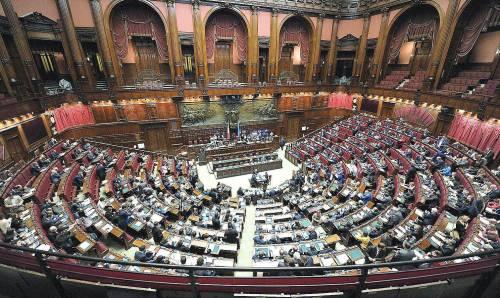 Seduta fiume alla Camera per discutere sul cibo di Montecitorio