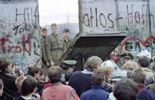 Il 9 Novembre 1989 crollava il Muro di Berlino