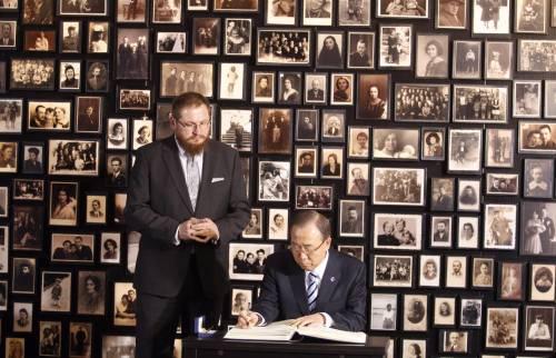 Ban Ki-moon in vista al campo di concentramento di Auschwitz-Birkenau