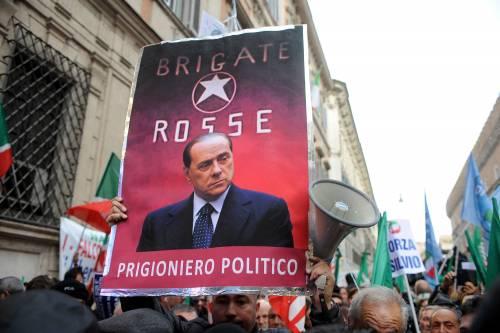 """L'Anm vuol zittire Silvio: """"Non può paragonare la magistratura alle Br"""""""