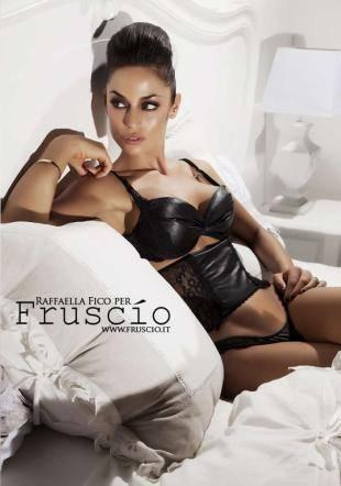 Raffaella Fico super sexy in lingerie 7