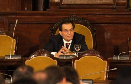 In Sicilia carrozzoni da record: 312 milioni solo per gli stipendi