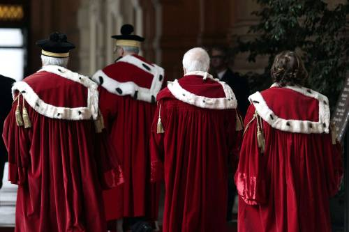 Quelle decisioni a rilento per paura della magistratura