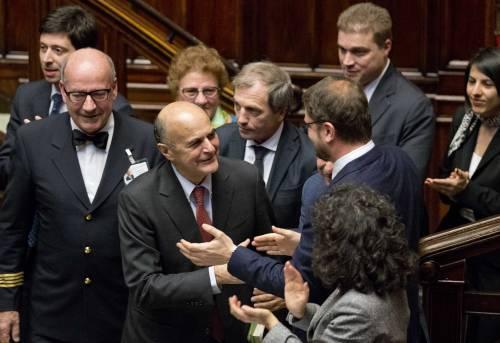 """Bersani: """"Matteo è pazzo"""". Tutto il non detto sul premier"""