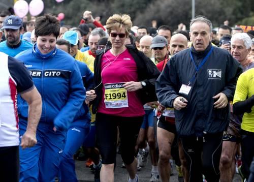 Pinotti corre la maratona prima del vertice sull'Ucraina