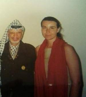 Il ministro degli Esteri Federica Mogherini con Yasser Arafat