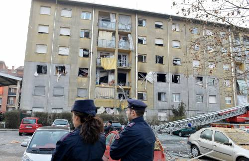 Torino, esplode una palazzina: 13 feriti, grave una donna