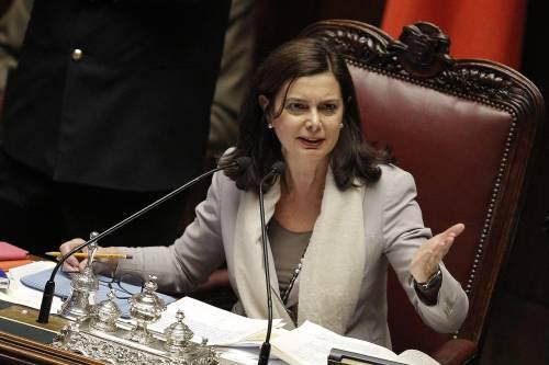 Grasso batte la Boldrini. Ma la paladina rossa non paga tasse in Italia