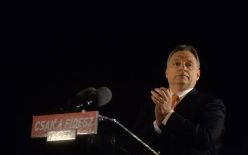 """Orban le suona all'Europa: """"Ue incapace di gestire gli immigrati"""""""