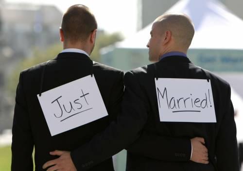 Matrimoni gay: li vogliono più gli elettori di Forza Italia che quelli del centrosinistra