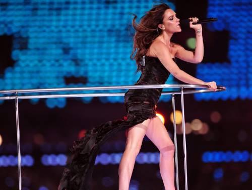 Da cantante a modella, i 40 anni di Victoria Beckham 8