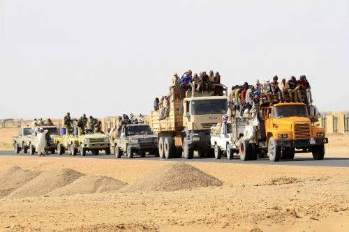 Immigrati al confine tra Libia e Sudan pronti a sbarcare in Italia