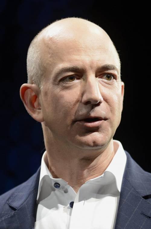 """Amazon: pacchi, tv e """"data center"""""""