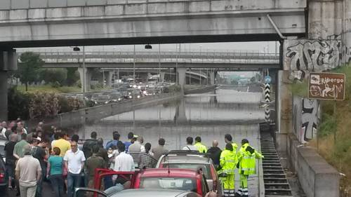 Un nubifragio manda in tilt la Capitale