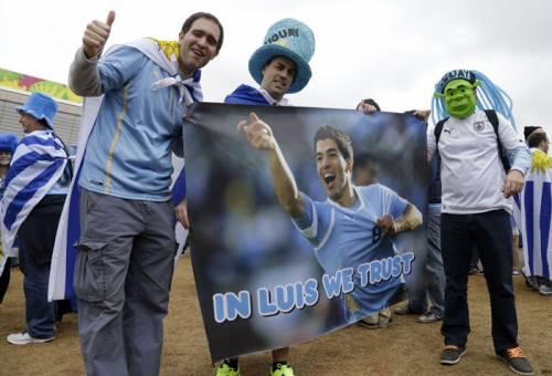 Uruguay schierata tutta con Suarez