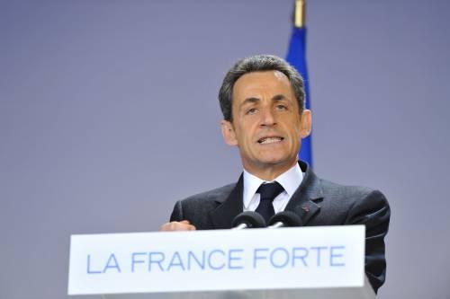 Sarkozy ricattò Papandreou: così arrivò la Troika in Grecia
