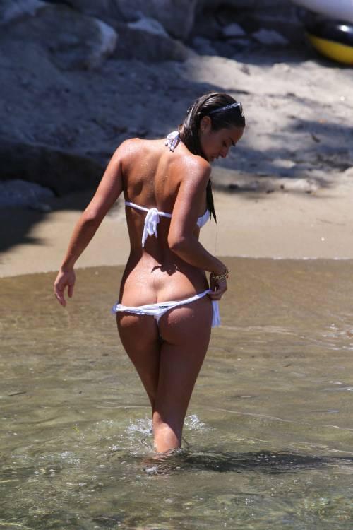 Pasqualina Sanna, l'ex pupa, sensualissima al mare 5