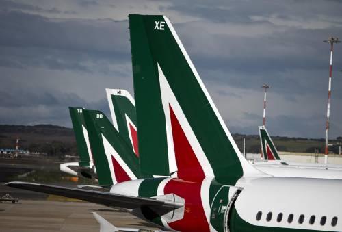 Ecco tutti i privilegiati che volano gratis sugli aerei dell'Alitalia