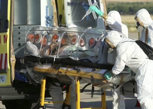 Falsi medici e malati in fuga. In Africa lotta a Ebola nel caos