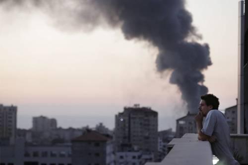 Esplosione a Gaza, 5 vittime. Morto un reporter italiano