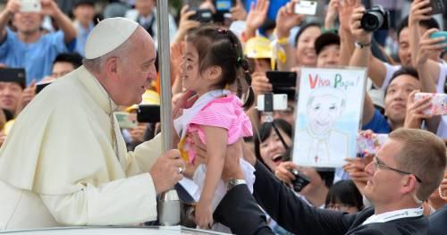 Il Papa commuove la Corea e convince la Cina