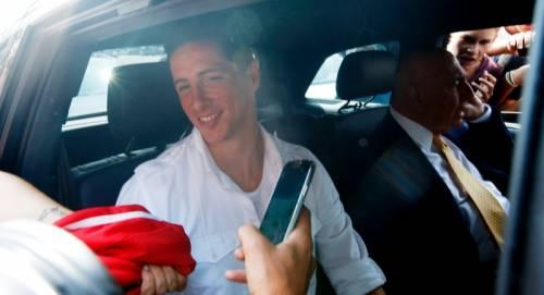 Galliani accoglie Torres al suo arrivo