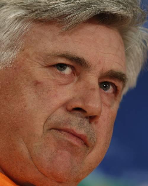 """Ancelotti difende Sacchi: """"Molti nemici, molto onore"""". Il web lo lincia: """"Fascista"""""""