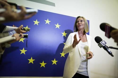 """Esclusa da tutti i tavoli. Ma la Mogherini minimizza: """"Conta il gioco di squadra"""""""