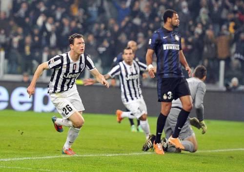 Lichtsteiner in goal contro l'inter