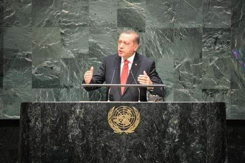 Erdogan, mani sui rettori e manette ai giornalisti