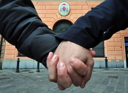 Nozze gay, Comune di Grosseto cancella la trascrizione dal registro unioni civili