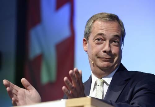 """Farage: """"Mia auto sabotata, qualcuno vuole uccidermi"""""""