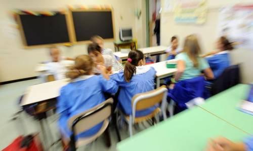Bimbi travestiti da bambine: leggete il documento choc che regola il gioco del gender