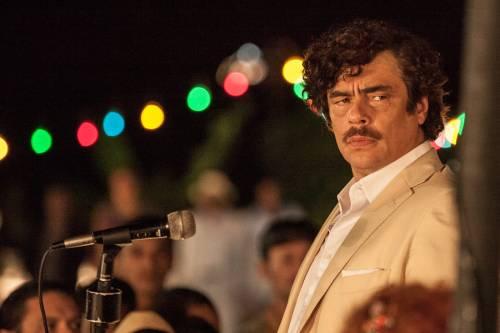 """Benicio Del Toro in una scena di """"Escobar: Paradise Lost"""""""