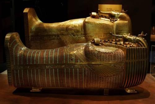 Tutankhamon era zoppo e frutto di un incesto