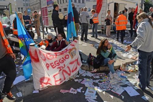 Netturbini scioperano a oltranza. Livorno invasa dalla spazzatura