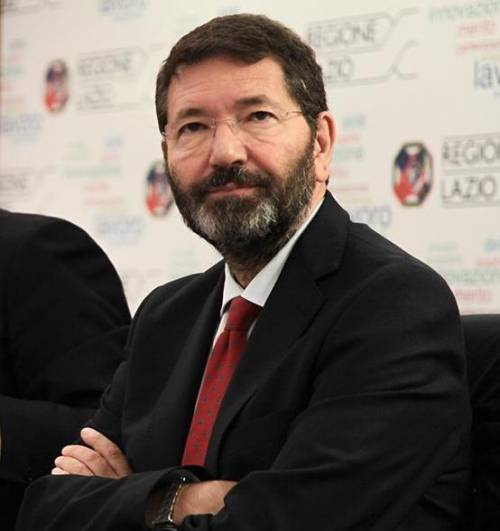 """Marino ignora le multe ma """"striglia"""" i romani: """"Servono meno auto private"""""""