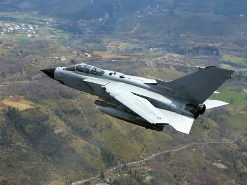 Contro l'Isis l'Italia ora invia i tornado