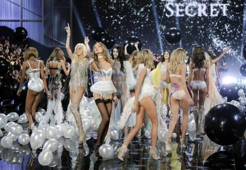 A Londra il Fashion Show di Victoria's Secret 9