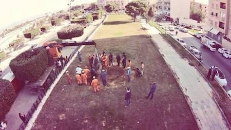 La rimozione della statua dei leoni a Tripoli (libyaherald.com)