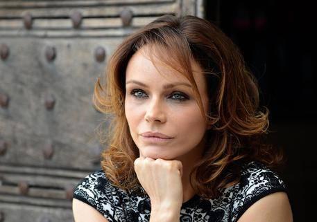"""Francesca Neri: """"Per rispetto di mio figlio non girerei più scene erotiche"""""""