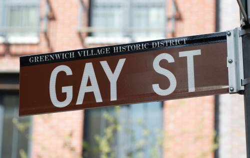 Il giro di affari dei gay? Vale mille miliardi