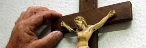 Trieste, sanzionato il prof che tolse il crocifisso dall'aula