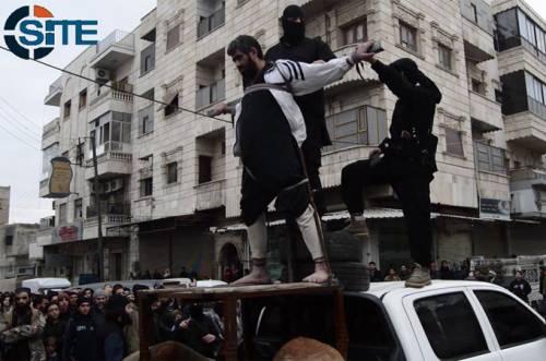 Uomo crocifisso dall'Isis ad Aleppo (news.siteintelgroup.com)