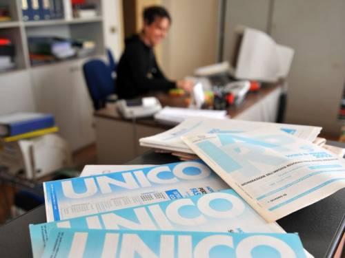 Italiani, popolo di delatori. Crescono le segnalazioni online di casi di evasione fiscale