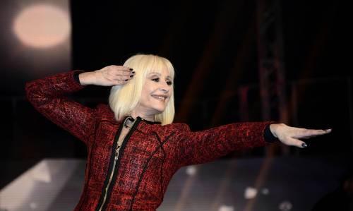 """La replica di Raffaella Carrà: """"Le critiche al mio show? Non le ho lette, non voglio stare male"""""""