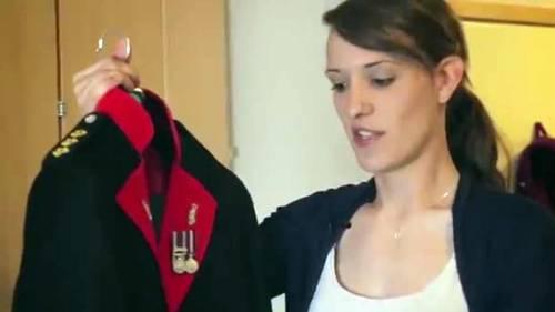 Hannah Winterbourne, capitano transgender 4
