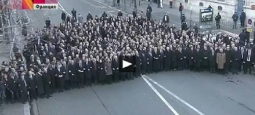 Charlie Hebdo, la manifestazione di Parigi tra realtà e finzione (e ipocrisia)