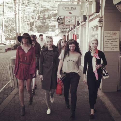 Taylor Swift: in vacanza con le sorelle Haim 10